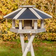 930332-1-voss.garden-birdhouse-bird-table-norje.jpg