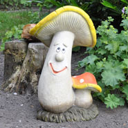 932152-mushroom-figurine-gerhard-red-white.jpg