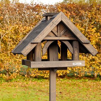 930316-1-voss.garden-birdhouse-bird-table-rydbo.jpg
