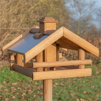 930326-1-voss-garden-grota-wooden-bird-house-with-stand.jpg