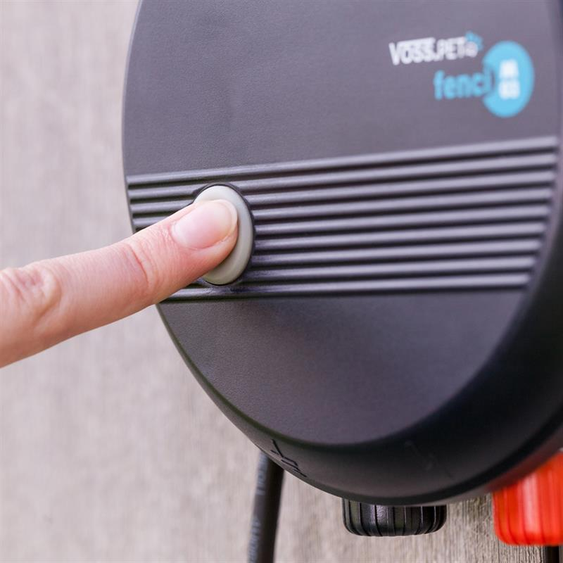 41210.uk-10-voss.pet-fenci-m05-electric-fence-energiser.jpg