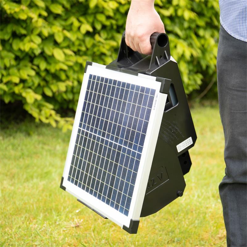 42064.uk-5-voss.farming-electric-fence-solar-energiser-15W-apollo-1500.jpg