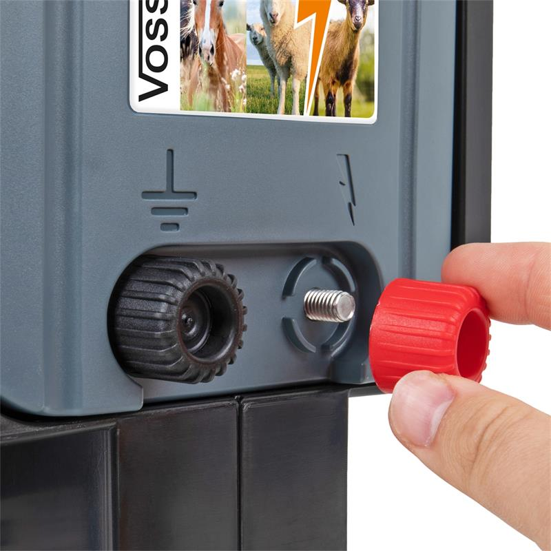 42064.uk-8-voss.farming-electric-fence-solar-energiser-15W-apollo-1500.jpg
