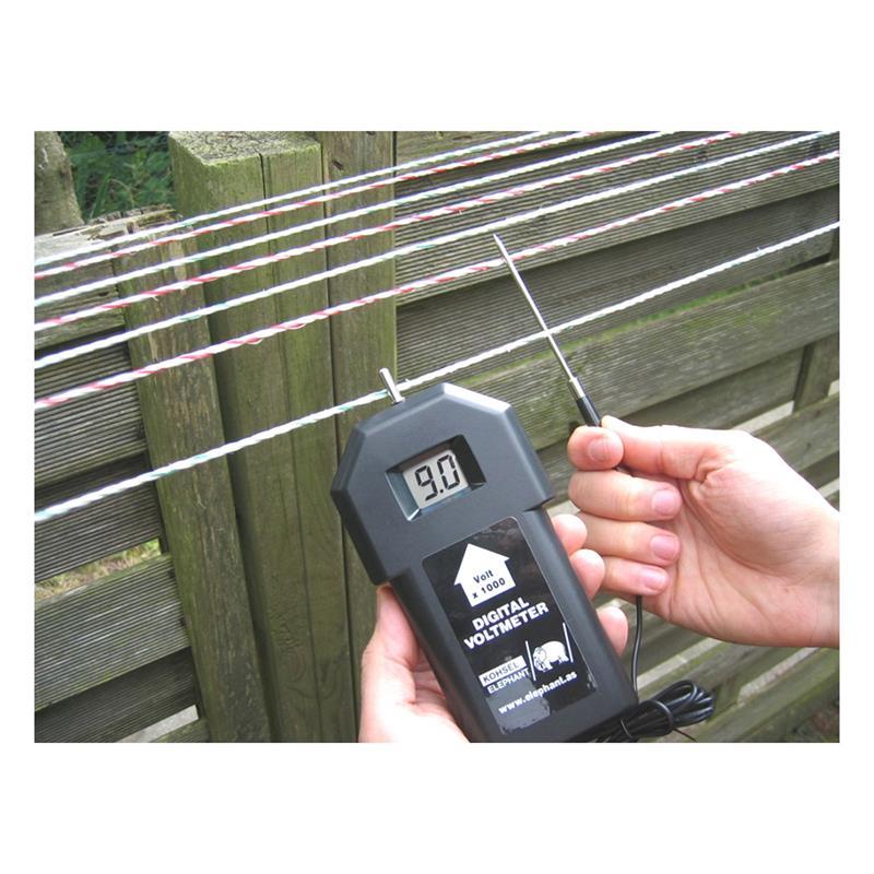 44332-11-electric-fence-line-insulator-wooden-thread-badger-fox-cat-marten.jpg