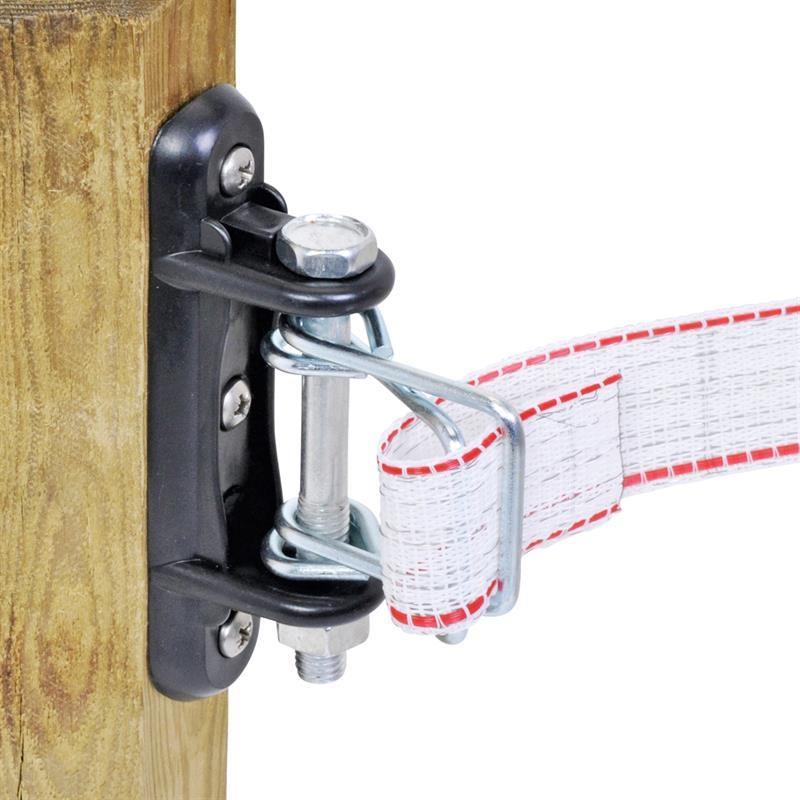 44636-Elektrozaunband-in-die-Isolatorbuegel-einfaedeln.jpg