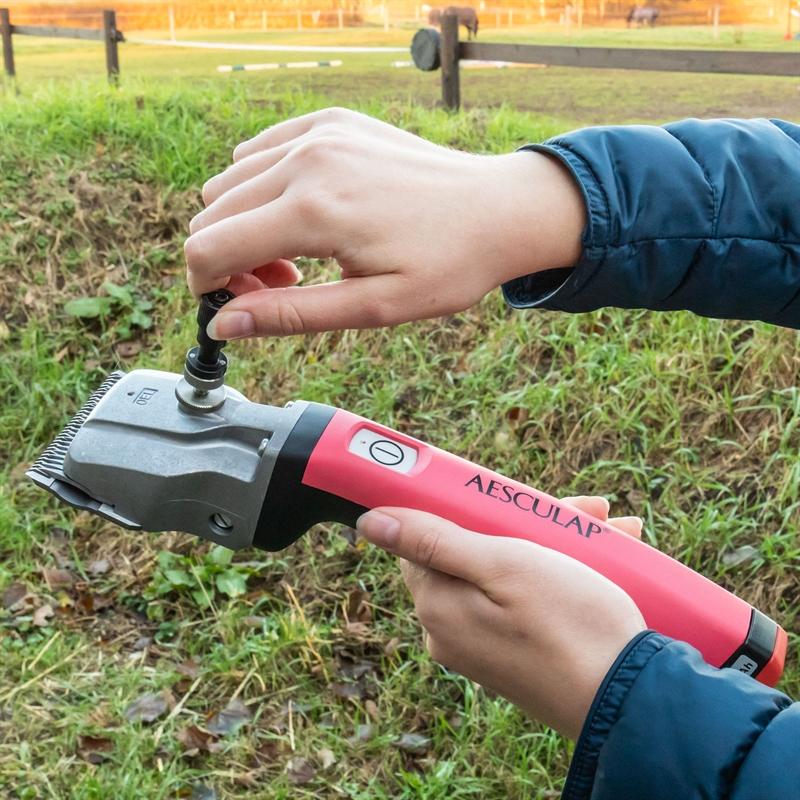 85141.uk-11-aesculap-horse-clipper-bonum-2x-battery-free-adjusting-aid-torqui-pink.jpg