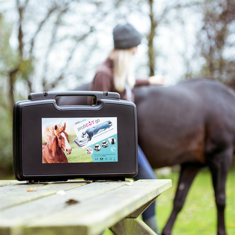 85345.uk-6-voss.farming-proficut-go-horse-clipper-battery-powered-blue-cordless.jpg