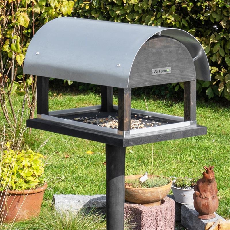 930128-5-voss.garden-bird-table-rom-danish-design-height-155cm.jpg