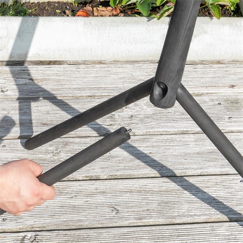 930128-9-voss.garden-bird-table-rom-danish-design-height-155cm.jpg