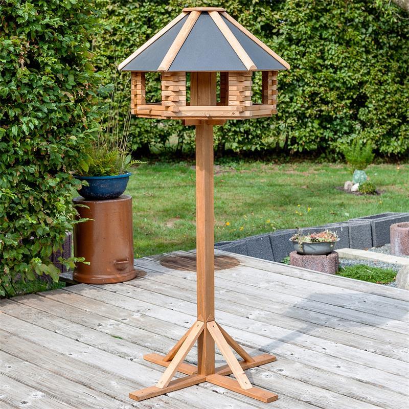 930301-2-voss.garden-wooden-bird-house-tofta-tin-roof.jpg
