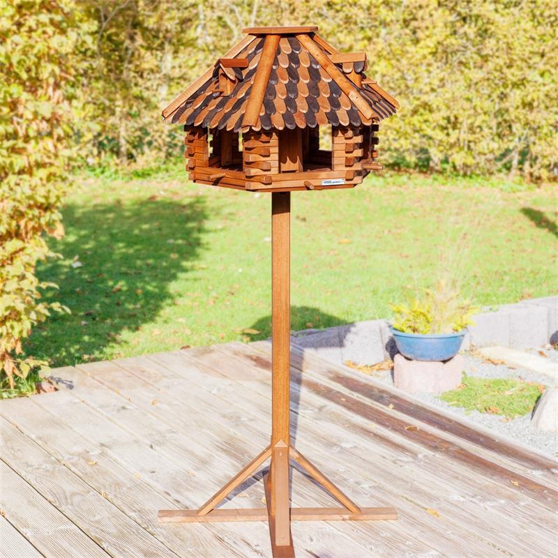 930307-2-voss.garden-wooden-birdhouse-autumn-leaves-stand.jpg