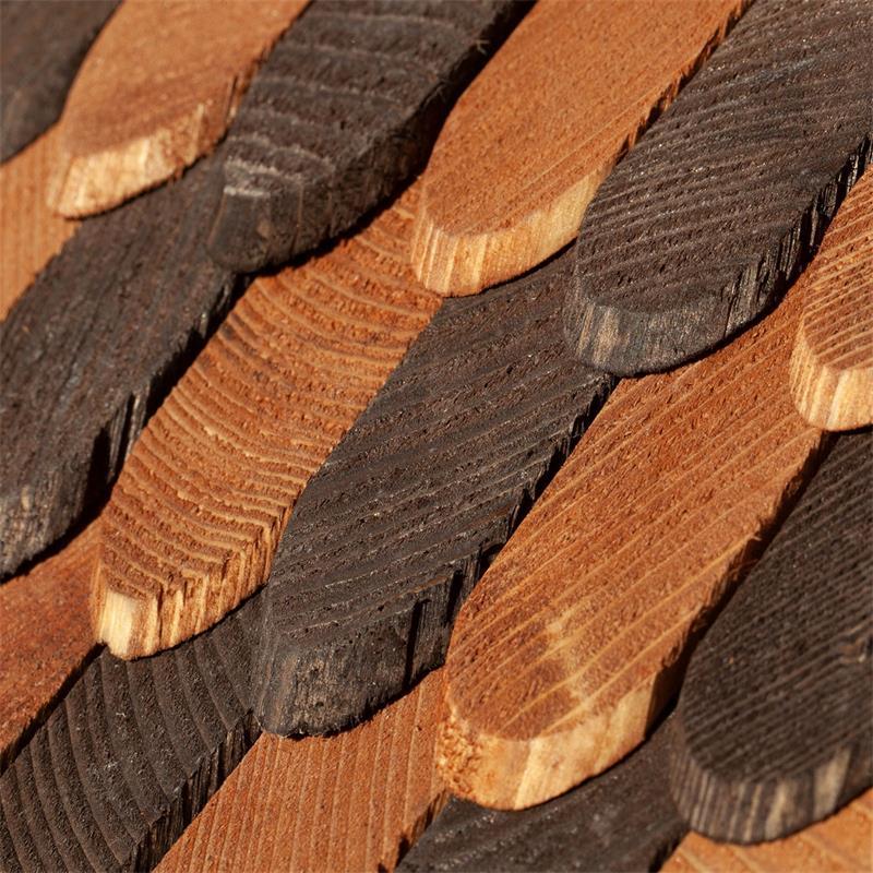 930307-3-voss.garden-wooden-birdhouse-autumn-leaves-stand.jpg