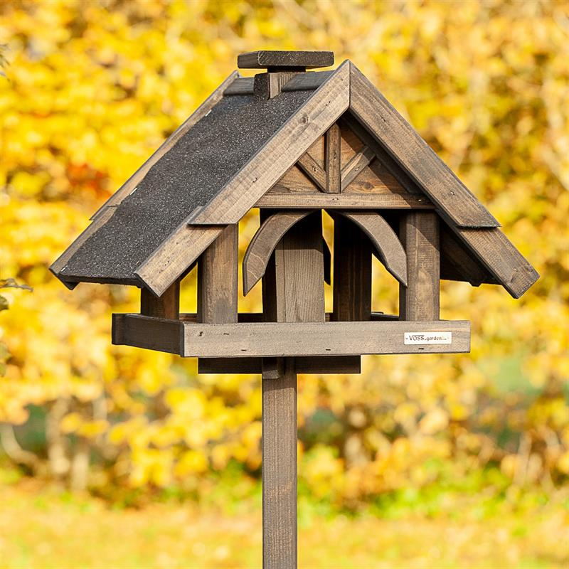 930316-3-voss.garden-birdhouse-bird-table-rydbo.jpg