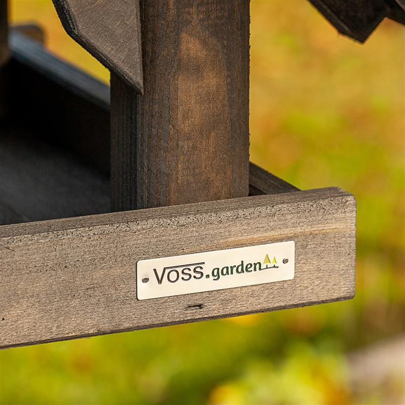 930316-4-voss.garden-birdhouse-bird-table-rydbo.jpg