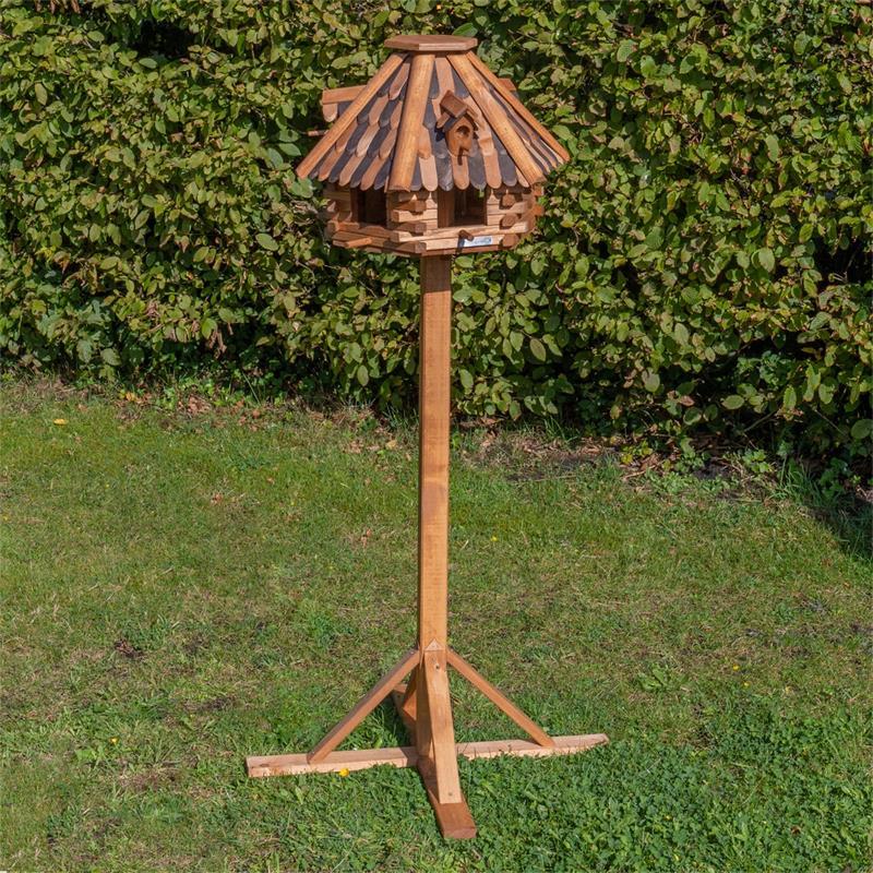930321-2-voss.farming-wooden-birdhouse-lilhouse-stand.jpg
