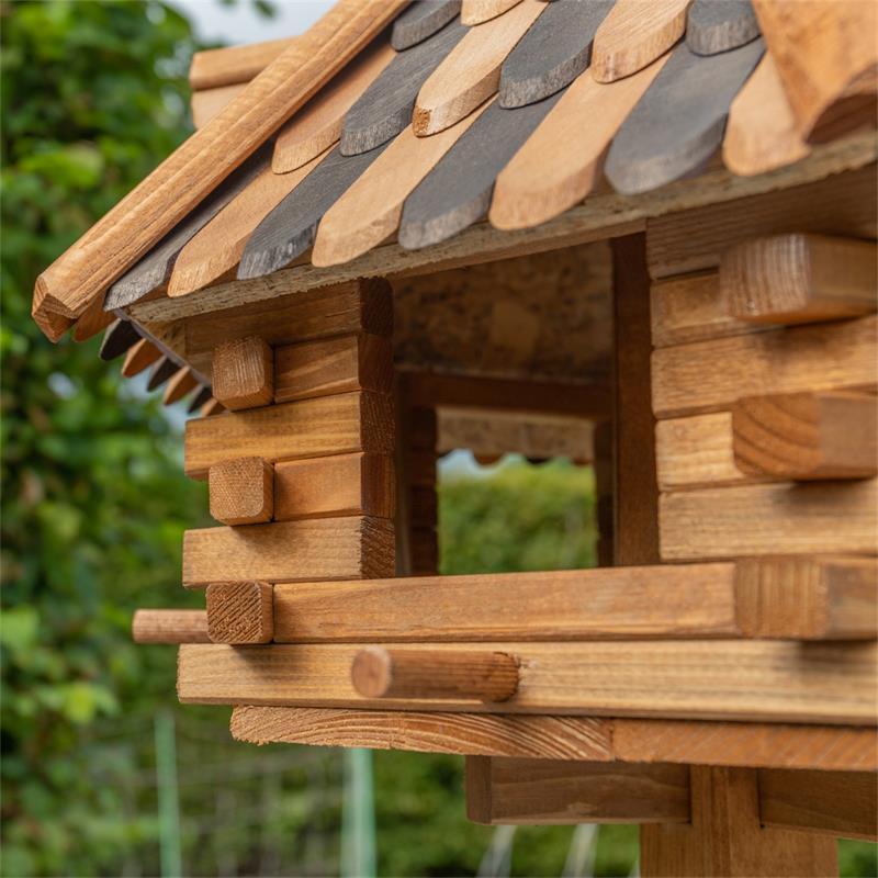 930321-5-voss.farming-wooden-birdhouse-lilhouse-stand.jpg