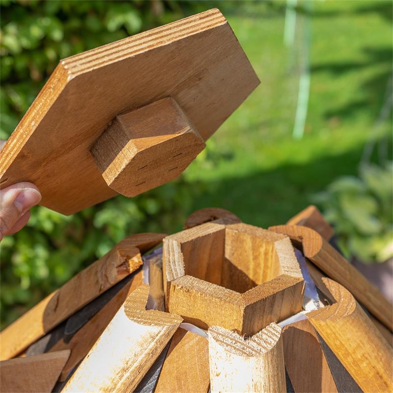 930321-6-voss.farming-wooden-birdhouse-lilhouse-stand.jpg