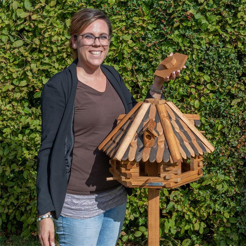 930321-7-voss.farming-wooden-birdhouse-lilhouse-stand.jpg
