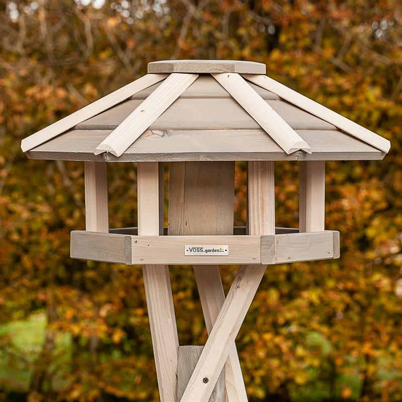 930330-1-voss.garden-birdhouse-bird-table-valbo.jpg