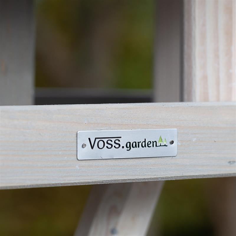 930330-3-voss.garden-birdhouse-bird-table-valbo.jpg
