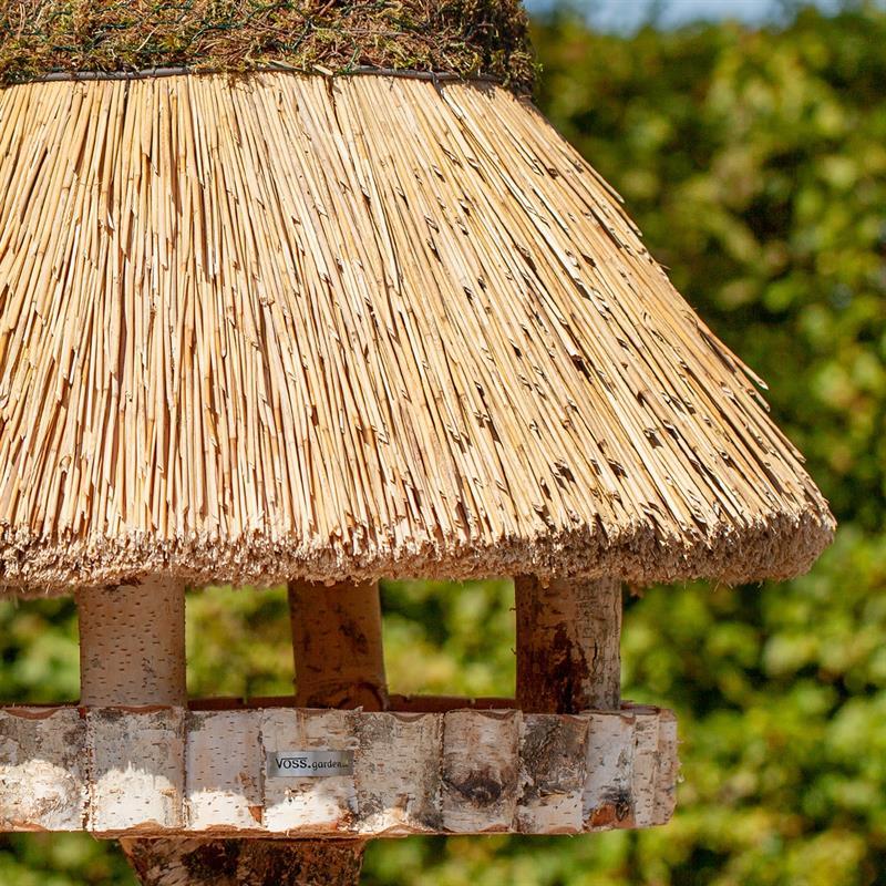 930415-2-voss.garden-birdhouse-foehr-round-thatch-roof-xl-Ø-80-cm.jpg